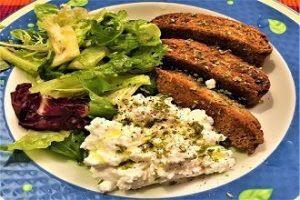 katiki-paximadia-salata