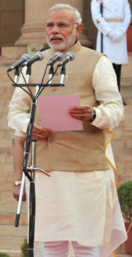 Narendra Modi taking oath.jpg