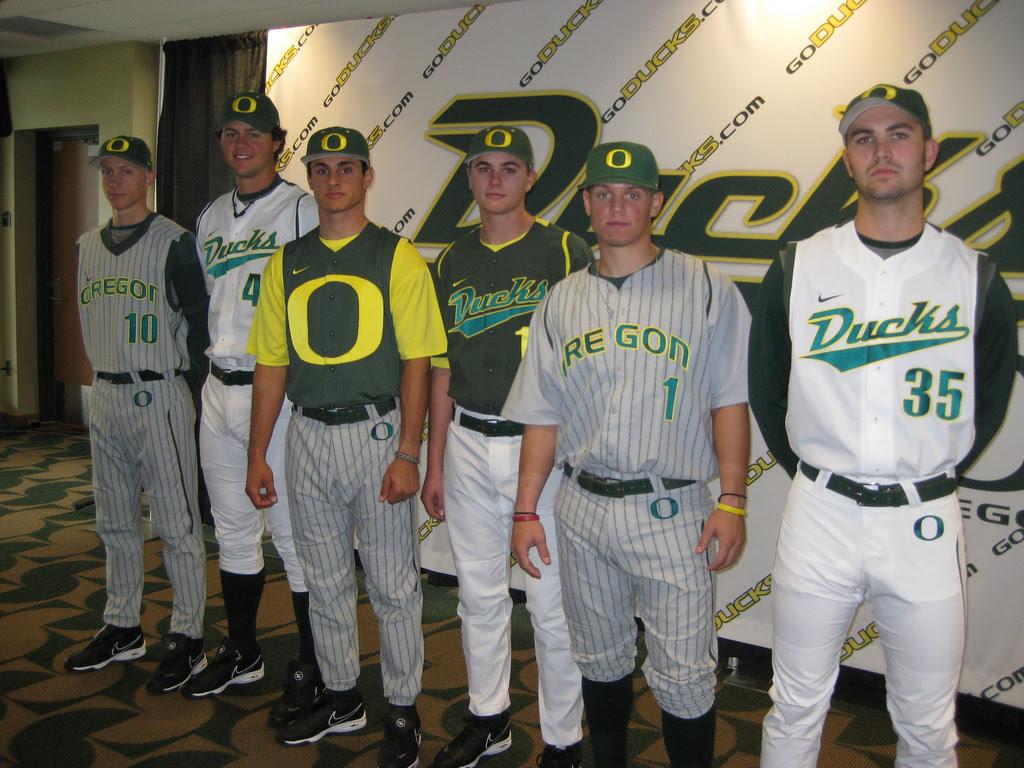 http://collegebaseball360.com/wp-content/uploads/2009/12/DuckUnis2.jpg