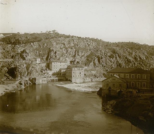 Torno del Tajo y Turbinas de Vargas en 1913. Fotografía de Luis Calandre Ibáñez
