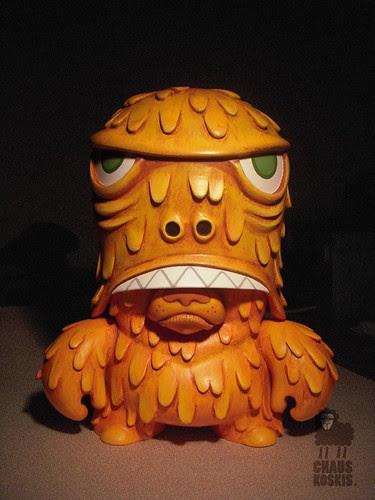 TT monster - at night • Chauskoskis