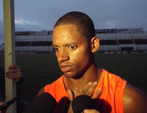 Vanderlei, atacante do ABC (Foto: Jocaff Souza)