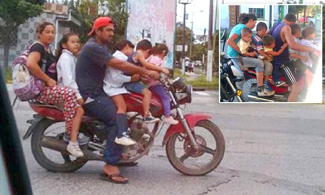 Family of SIX travel through Argentinian streets on a motorbike