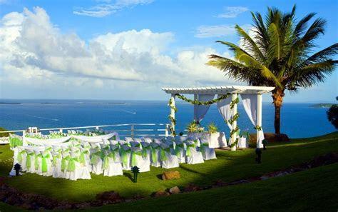 Wedding ceremony at Casitas Garden at El Conquistador