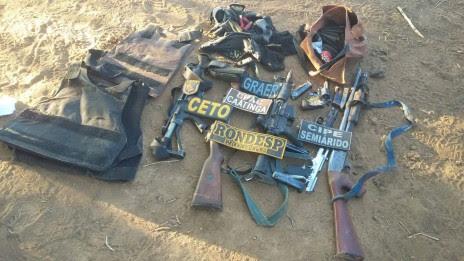 armas dos bandidos sento se
