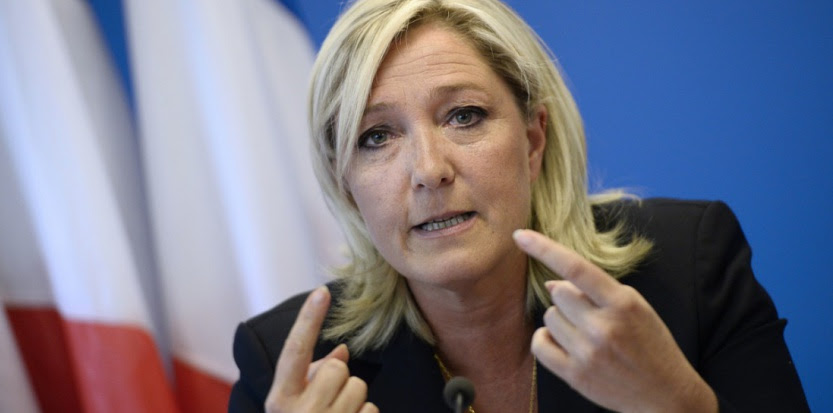 Marine Le Pen s'accroche au marronnier de la double nationalité