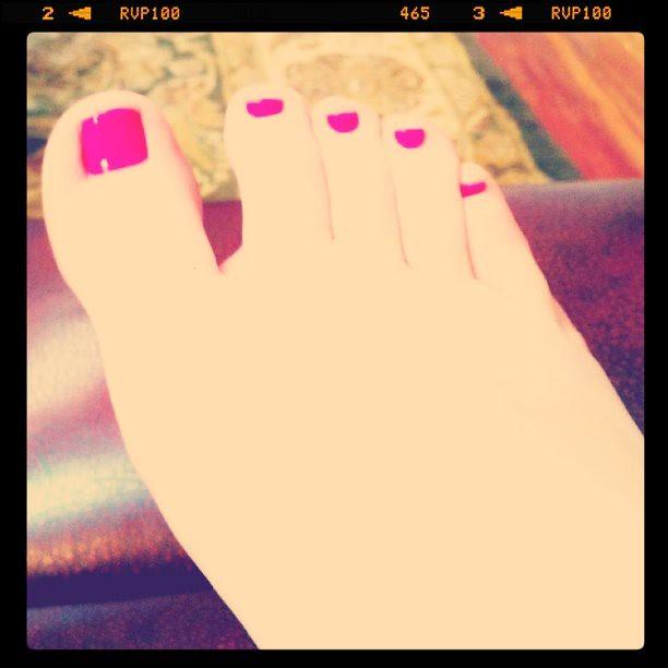 Neon Nene Nails