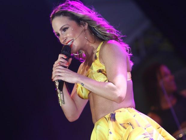 Claudia Leitte canta no Axé Brasil (Foto: Maurício Vieira/G1)