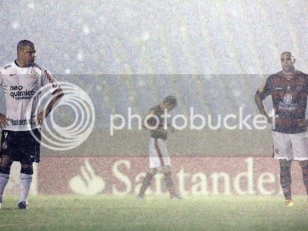 Fla, de Adriano, venceu o Timão de Ronaldo