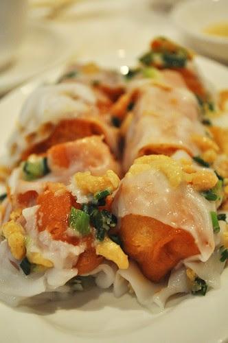 rice rolls with dough sticks