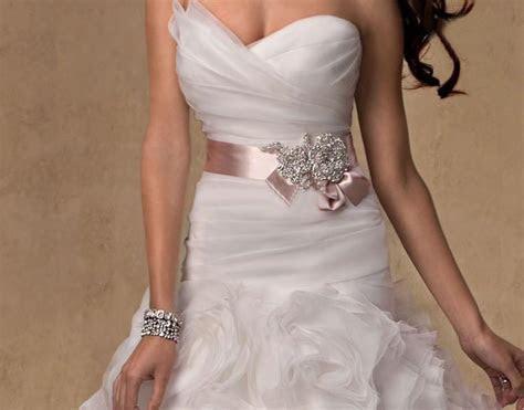 2019 Stunning Cheap Pink Wedding Sashes Crystal Hand Made