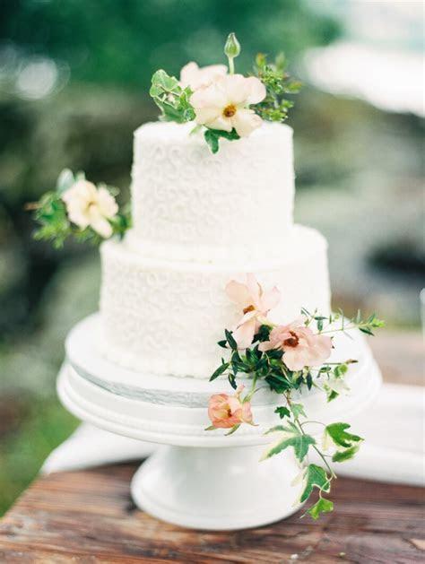 Two Tier Wedding Cakes ? Destination Wedding Blog
