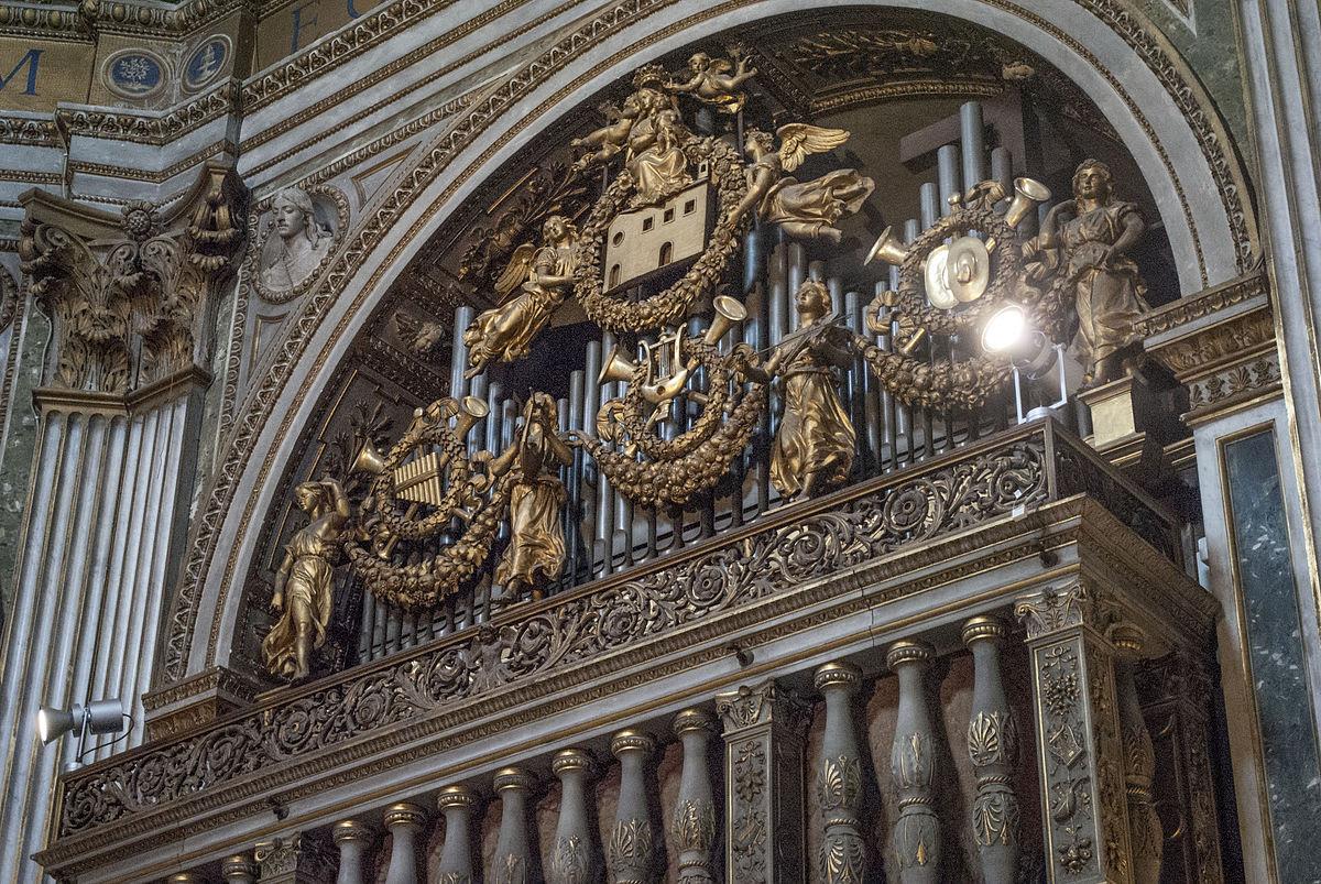 File:Santa Maria di Loreto (Rome) - Interior (2).jpg