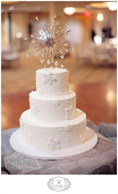 Best 25  Snowflake wedding cake ideas on Pinterest