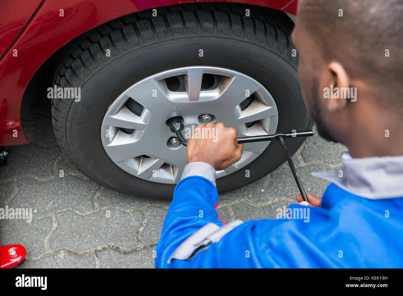 Car With Flat Tire Stock Photos Car With Flat Tire Stock Images Alamy