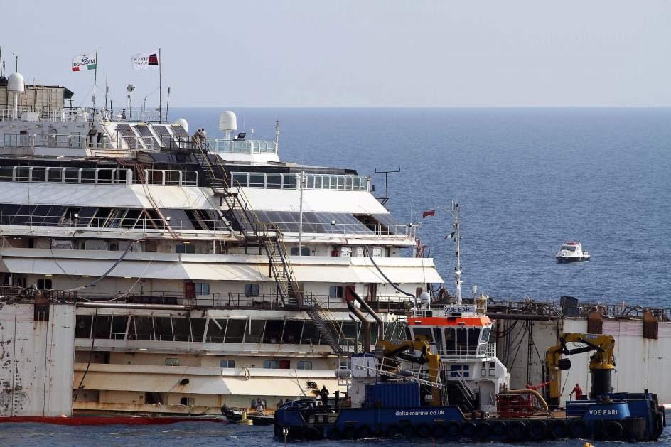 Reflotamiento del 'Costa Concordia'