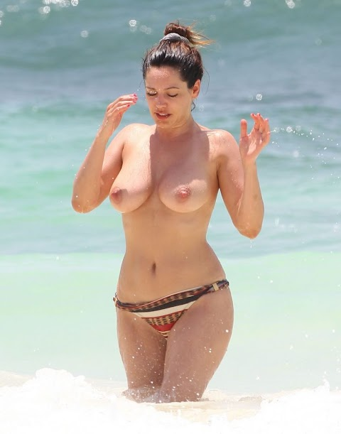 Kelly Brook Nude Pics (@Tumblr) | Top 12 Hottest