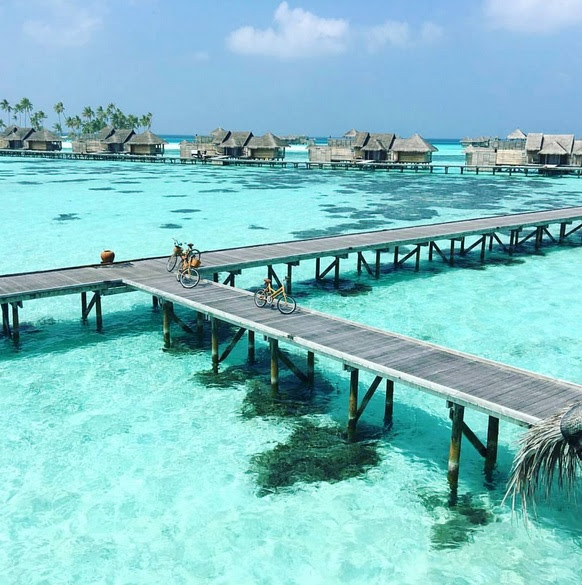 Férias-Praia-maldivas