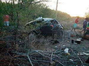 Capotamento matou criança e mãe na BA-210 (Foto: Site Chico Sabe Tudo)