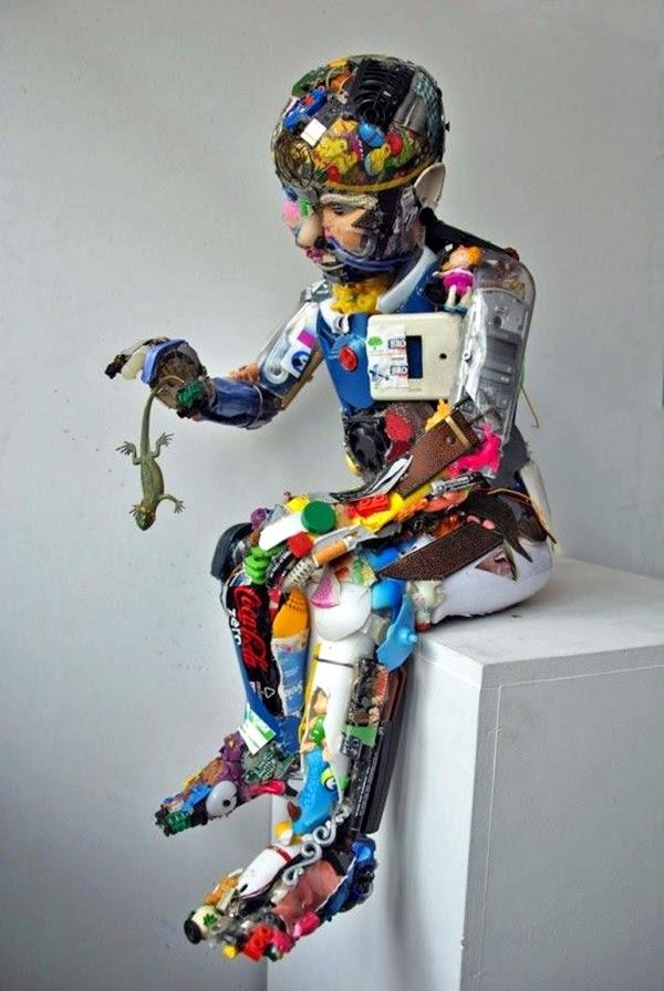 Astonishingly Life-Like Figuratives Sculptures (13)
