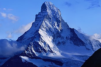 English: The Matterhorn seen seen from the Dom...