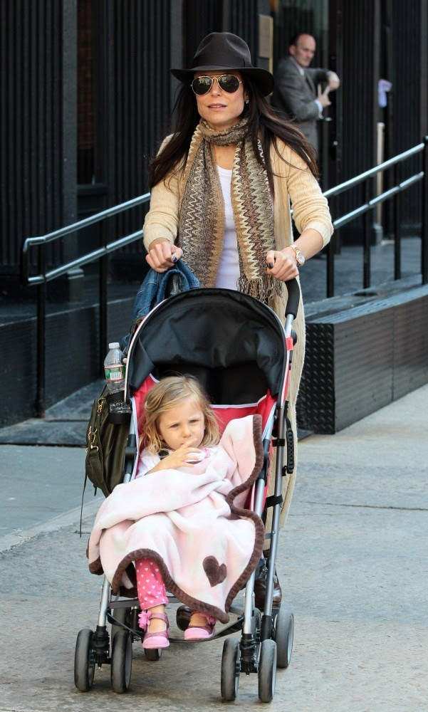 Bethenny Frankel - Bethenny Frankel with her daughter Bryn