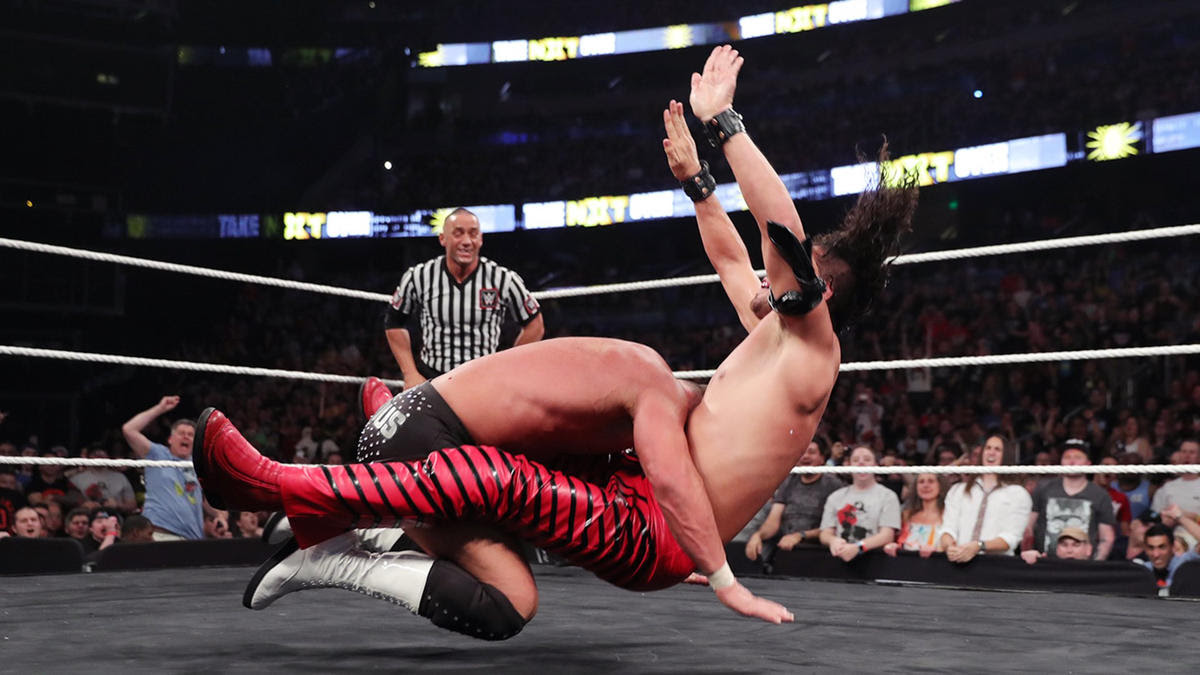 Roode manages to defeat The King of Strong Style and retain his NXT Title.