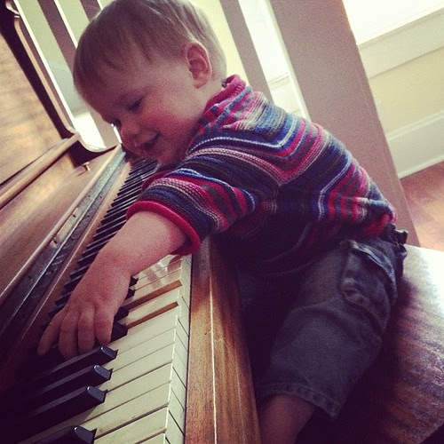 Mr. Piano Man: He prefers his tips in bouncy balls or sippy cups.