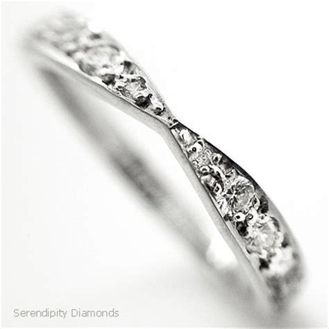 Surge in Antique and Vintage Style Wedding Rings