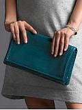 Women: Oversize croc-embossed clutch - Peacock