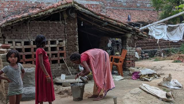 Shobha and her family, who had left Delhi during lockdown. It took them nearly a week and around Rs 30,000 to reach their village in Nalanda. Devparna Acharya