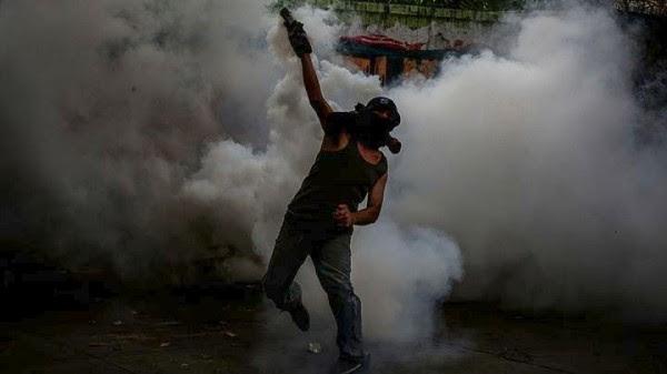 Στους 100 ο αριθμός των νεκρών από την έναρξη των κινητοποιήσεων στη Βενεζουέλα