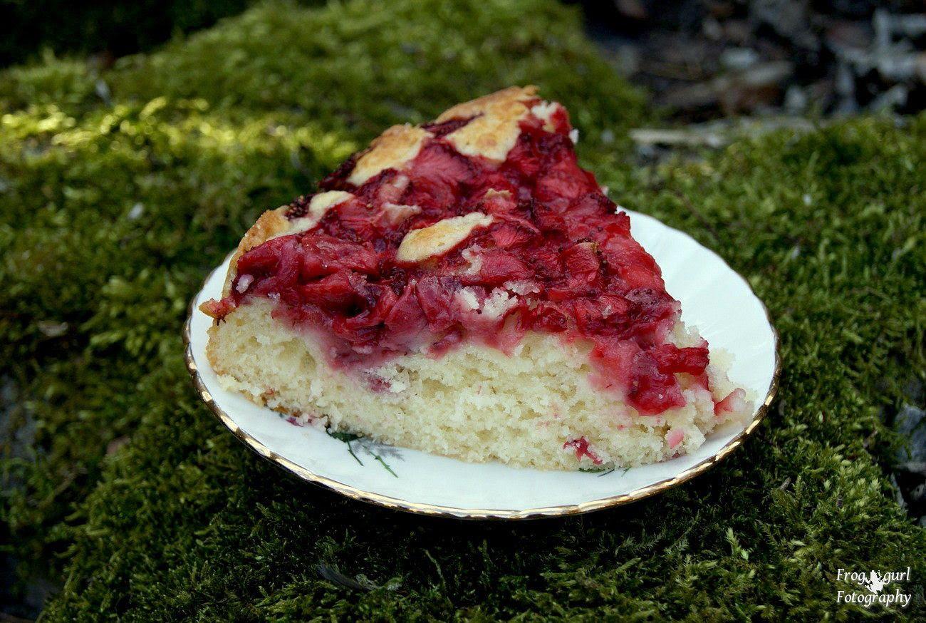 "18.4, Strawberry Cake is ""Lekker""..thats the Dutch word for something that tastes good..Lekker!"