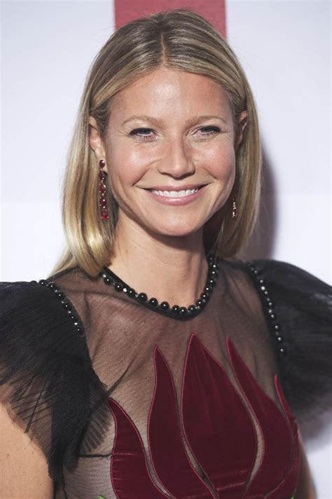 Gwyneth Paltrow honoured with Icon Award at ELLE Magazine