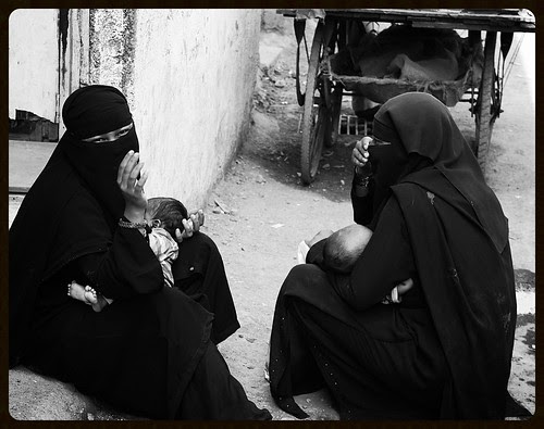 Muslim Motherhood ..Muslim Beggars of Mumbai by firoze shakir photographerno1