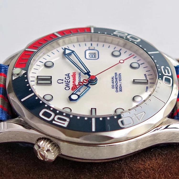 Replica Omega Seamaster Colorful