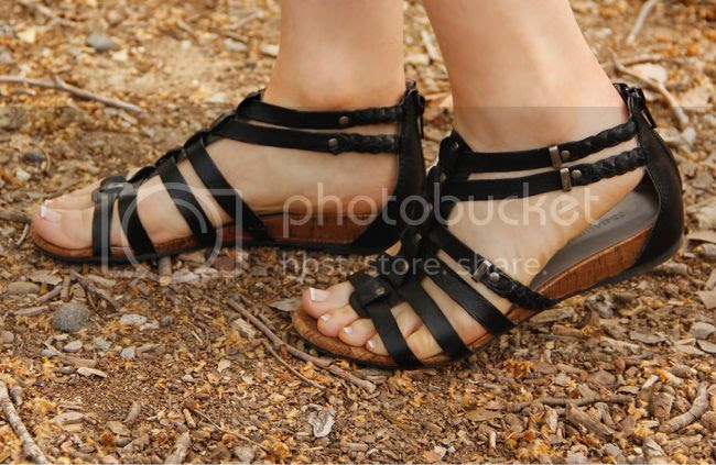 Naturalizer gladiator sandals in black leather