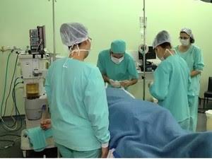 Hospital de Santa Maria faz coleta de medula que será doada a paciente na Turquia (Foto: Reprodução/RBS TV)