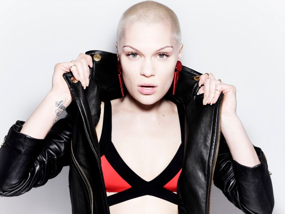 Jessie J : Alive (Promo) photo ay_118801719.jpg