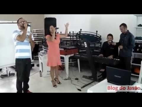 """Louvor e adoração a Deus no """"II encontro de Educação física"""" Cantores-Luana Mayara,Paullo Daniel e Gilvanilson Paiva no teclado."""