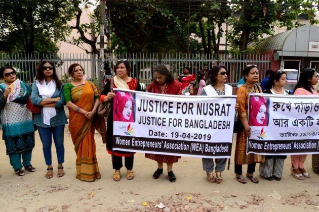 Nusrat-Jahan-Rafi-protest-630x420 வங்காளதேசத்தில் மாணவி உயிருடன் எரித்துக் கொலை- 16 பேருக்கு மரண தண்டனை வங்காளதேசத்தில் மாணவி உயிருடன் எரித்துக் கொலை- 16 பேருக்கு மரண தண்டனை Nusrat Jahan Rafi protest