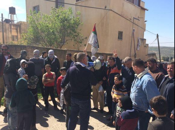 Manifestazione nel villaggio di Kufr Qaddum (Foto: MIchele Giorgio/Nena News)
