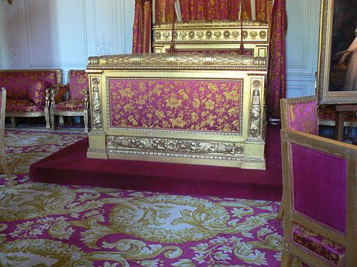 grand trianon lit.jpg