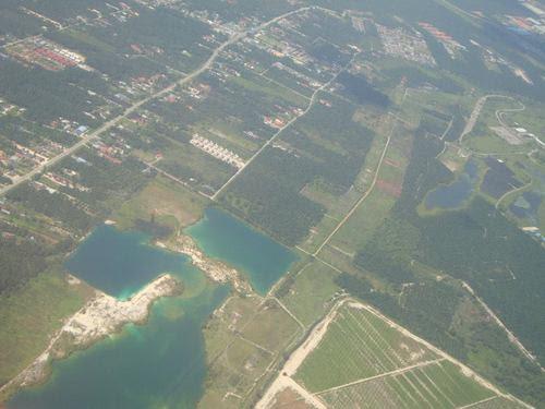 Поглед към Малайзия от самолета