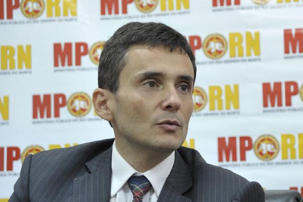 Manoel Onofre, procurador-geral de Justiça, deve assinar a recomendação ao Legislativo