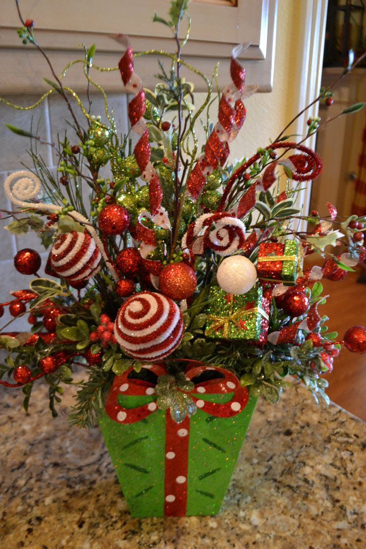 Most Beautiful And Amazing Christmas Flower Arrangements Christmas Celebration All About Christmas