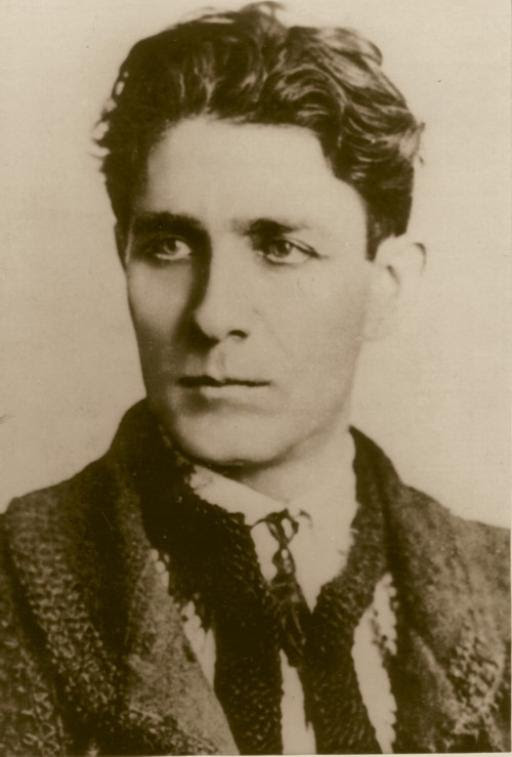 http://readmylist.files.wordpress.com/2012/12/corneliu-zelea-codreanu-destinul-unui-nationalist-1.jpg?w=590