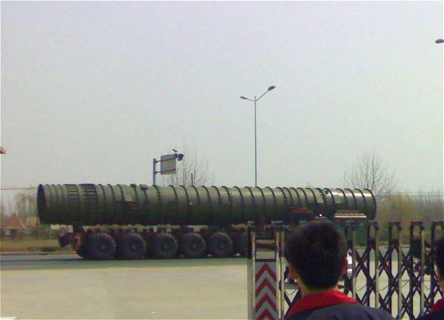 Según algunas fuentes chinas, China actualmente desarrolla un nuevo misil nuclear de combustible sólido-road móvil intercontinental balístico, el DF-41, que debe tener un alcance máximo de 14.000 kilometros.