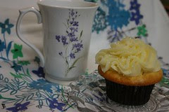 tea and lemon cupcake