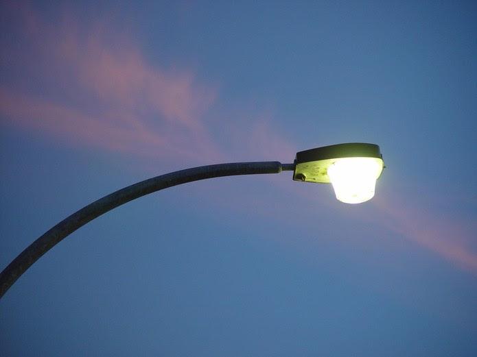Até postes de rua poderão trasferir dados (Foto: Leon Brooks/Domínio Público)